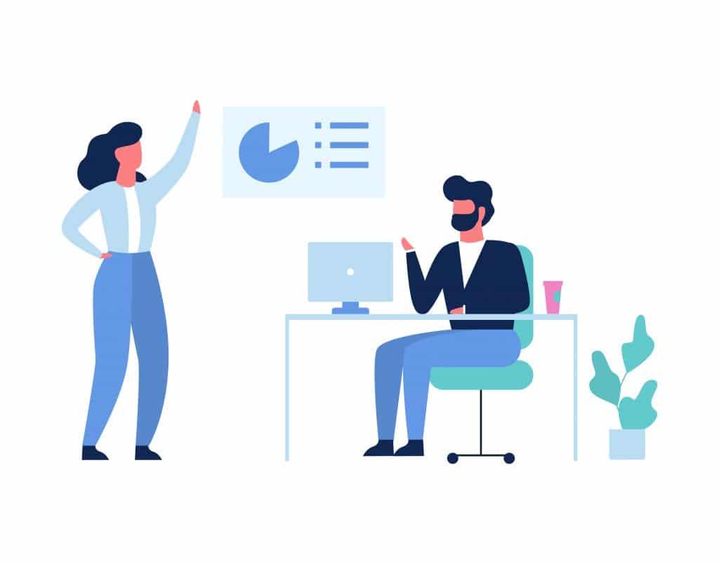 Femme debout faisant une présentation avec graphique à un homme assis à un bureau